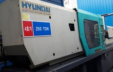 HYUNDAI SPE-250 Injection Molding Machine