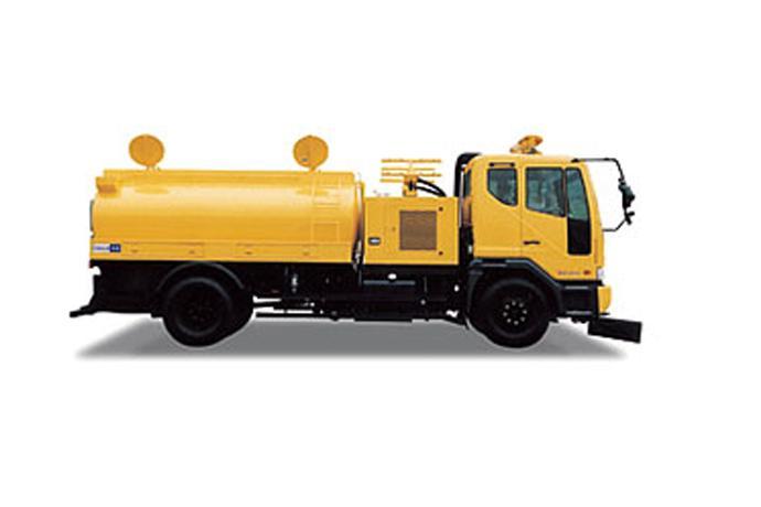 High-Pressure Water Spray Truck  details